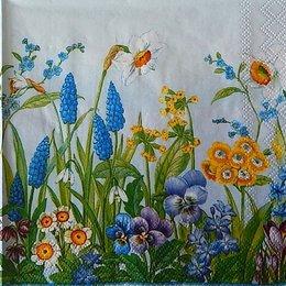 12378. Цветы на голубом