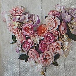 12613. Сердце из роз