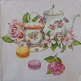 20043. Десерт и цветы