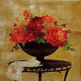 2360. Красные цветы в вазах. 10 шт., 6 руб/шт