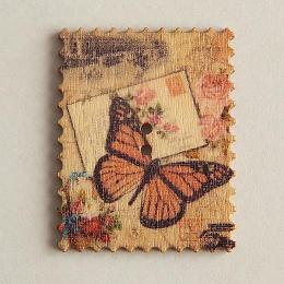 hm-1452. Пуговица Марка с бабочкой, бежевая