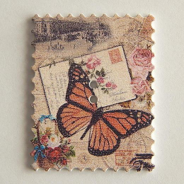 hm-1453. Пуговица Марка с бабочкой, белая
