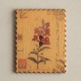 hm-1454. Пуговица Марка с цветком, бежевая