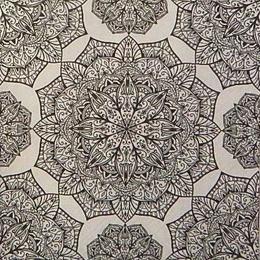 12527. Черные узоры на белом