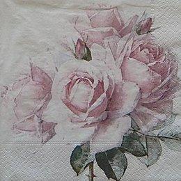 12610. Крупные розы на белом