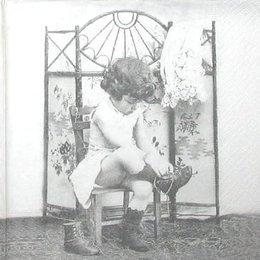 3452. Девочка у ширмы. 5 шт., 33 руб/шт
