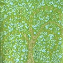 8996. Дерево на зеленом