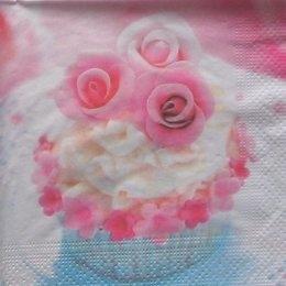9083. Пирожное с розочками
