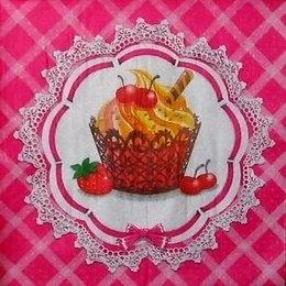 9523. Пирожное с фруктами
