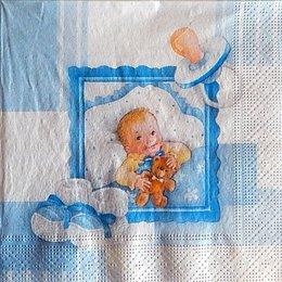 9727. Малыш с мишкой на голубом