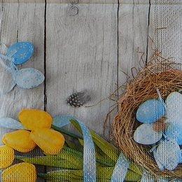 9753. Пасхальные яйца и тюльпаны