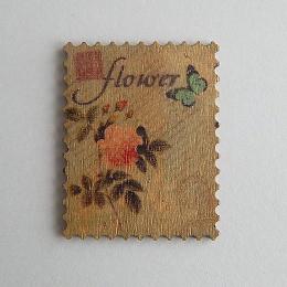 hm-1477. Пуговица Марка с розой, бежевая