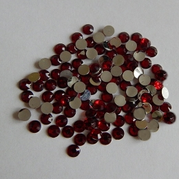 hm-605. Стразы, красные, 100 шт., 0,7 руб/шт