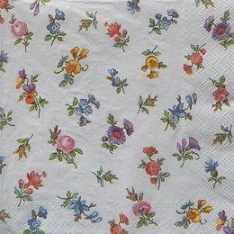 12796. Мелкие цветы на белом фоне